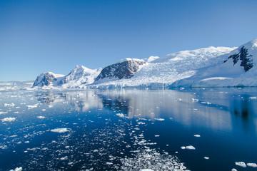 Printed kitchen splashbacks Glaciers iceberg