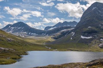 Norway. Mountainm, lake
