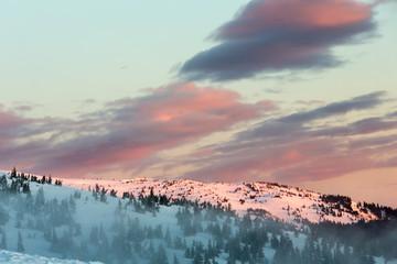 Fototapeta Sunrise winter mountain landscape (Carpathian).