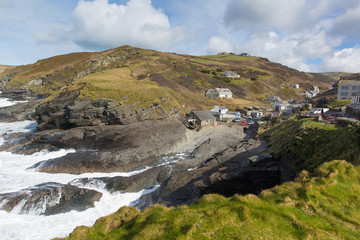 Fototapete - Trebarwith Strand Cornwall England UK coastal village white waves crashing