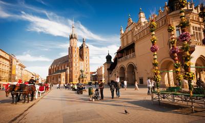 Foto auf Acrylglas Krakau Rynek Głowny w Krakowie. Widoczny kościół mariacki i Sukiennice