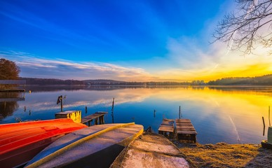 Photo sur Plexiglas Bleu fonce Beautiful and colorful lake landscape