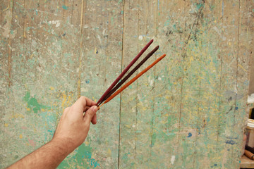 Incense to smell well