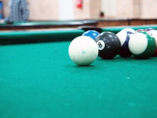 tavolo e palle dabiliardo