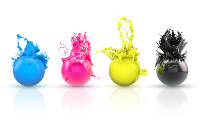 Vier farbenfrohe Kugeln in Cyan, Magenta, Yellow und den Schwarz