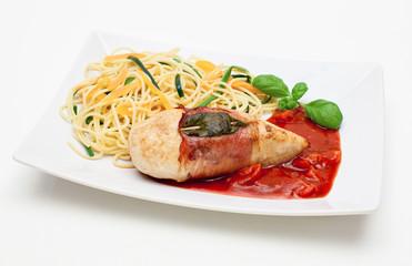 Hähnchenbrustfilet Saltimbocca mit Gemüsespaghetti