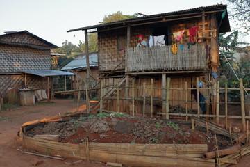 Häuser und Dörfer in Myanmar