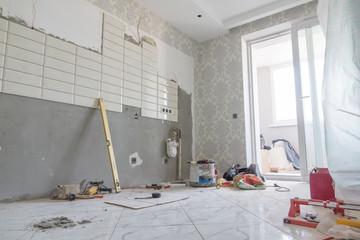 Obraz repairs in the apartment - fototapety do salonu