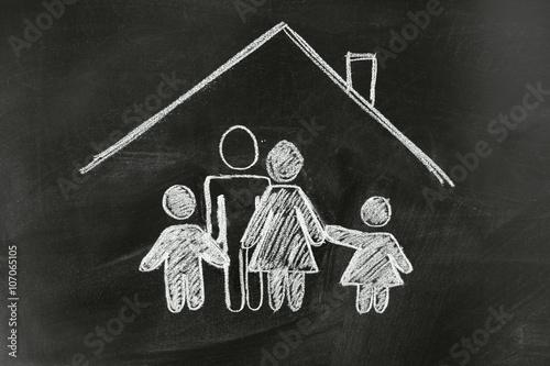 familie eigenheim traumhaus zdj stockowych i obraz w royalty free w obraz. Black Bedroom Furniture Sets. Home Design Ideas