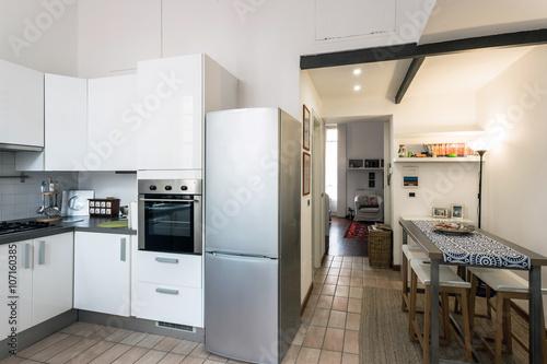 piccolo e grazioso appartamento ristrutturato con ingresso cucina ...