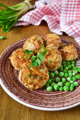 meatballs with green peas, rustic style