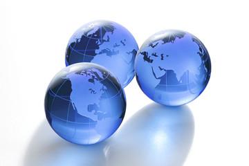 青いガラスの地球