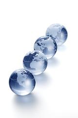 透明なガラスの地球