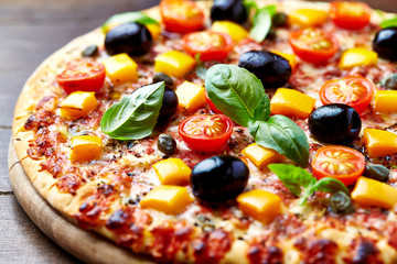 Cheese pizza with pepper and olives
