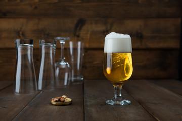 ビール、アルコール、グラス、グラスビール、お酒、飲み会、つまみ、バー