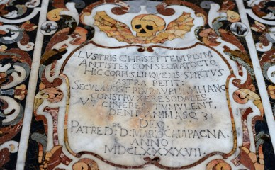 intérieur de l'église saint pancrace de taormina