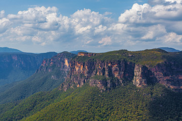 Blue Mountains rocky outcrops viewed from Evans lookout. Katoomba, New South Wales, Australia.