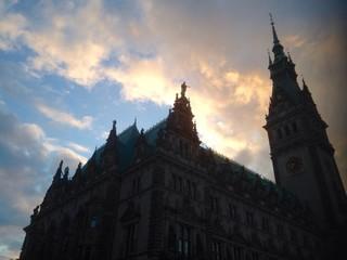 Himmel über Hamburger Rathaus