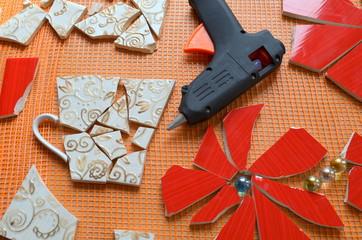 Мозаика с битой плитки
