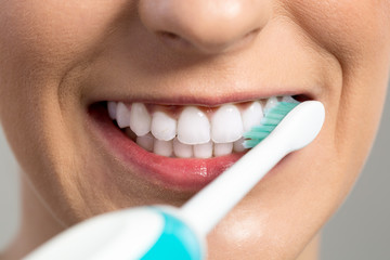 Cleaning and whitening teeth,Braun Oral B Electric Toothbrush