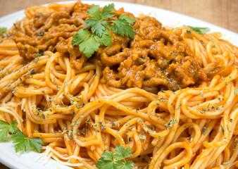 Spaghetti con carne a la boloñesa