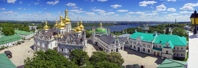 Fotorolgordijn Kiev Spring Monastery in Kiev
