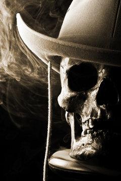 western skull in hat