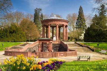 Tempel im Kurpark Bad Homburg, Hessen, Deutschland
