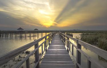 Bridge beautiful sunsets.