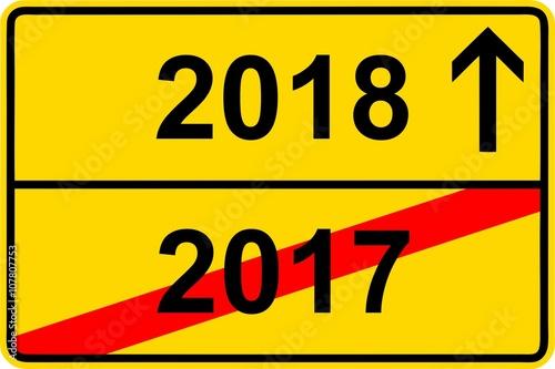 160411 ortsschild jahreswechsel 2017 2018 stockfotos und