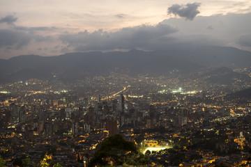 Ciudad de Medellín de Noche