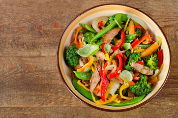 Stir fry with beef and vegetables