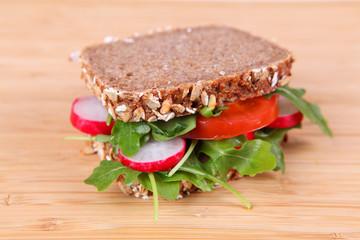 Sandwich mit Salat