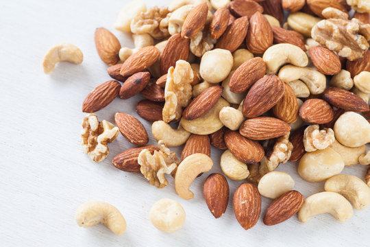 Assorted mixed nuts , Almond , Cashews nuts , macadamia , walnut