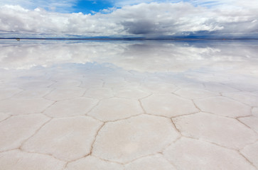 Hexagons of salt in the lake Salar de Uyuni, Bolivia