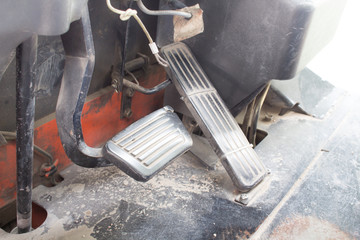 Brake and accelerator pedal of forklift electrical.