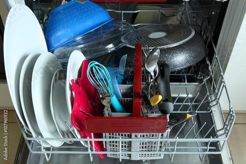 """""""Spülmaschine"""" Stockfotos und lizenzfreie Bilder auf"""