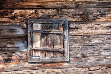 Altes Fenster fotos lizenzfreie bilder grafiken vektoren und altes