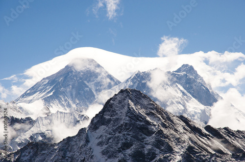 Fotobehang Everest Veiled by Clouds - Nepal