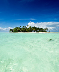Tropical uninhabited island in the Pacific Ocean
