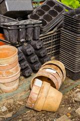 vasi e contenitori per le piantine