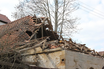 On old buildings you must be to take care before it is too late