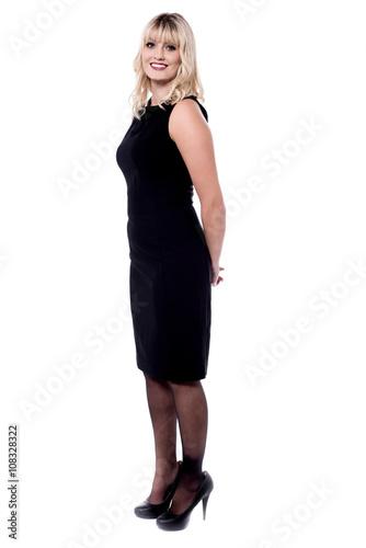 1d6d931f085 Attractive woman in black sleeveless attire