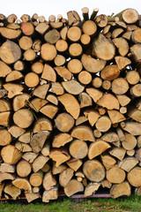 Photo sur Aluminium Texture de bois de chauffage Holzstapel Laubholz