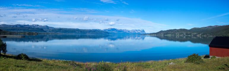 Blick auf den Burfjord in Norwegen