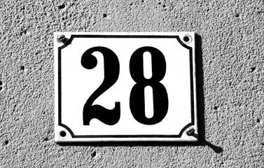 Hausnummer achtundzwanzig