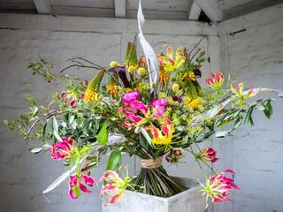 bunt gemischter Blumenstrauß