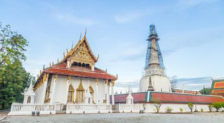 Wat Phra Mahathat Woramahawihan, Buddhist religious places of im
