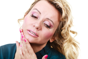 Woman with toothache problem