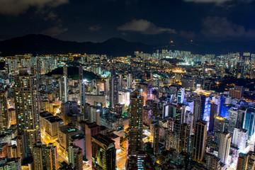 香港 高層ビルが立ち並ぶ光景 夕景・夜景